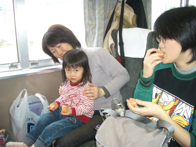 06-0122_@train.jpg