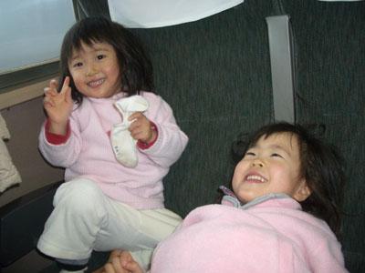 06-0122_momonono@train.jpg