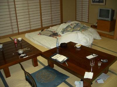 06-0122_room.jpg