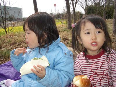06-0318_MomoNono.jpg