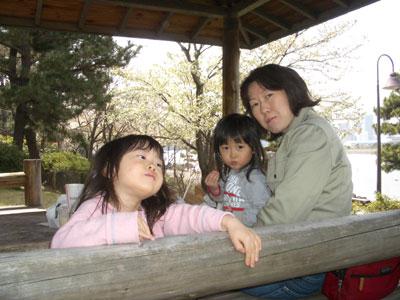 06-0401_in_azumaya.jpg