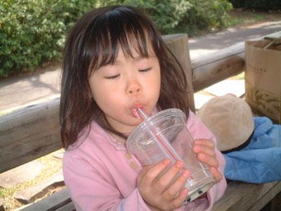 06-0401_momi-tea_2.jpg